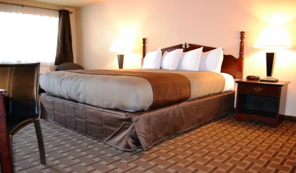 King Standard Room at Yosemite Westgate Lodge
