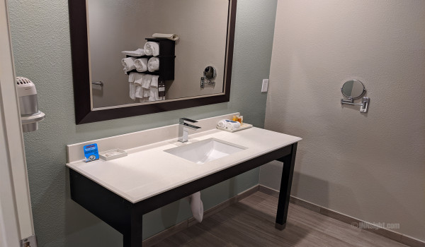 Yosemite Hotel Pictures - QQ Accessible Vanity