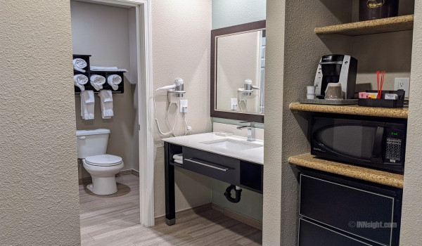 Yosemite Hotel Pictures - QQ Deluxe Bathroom