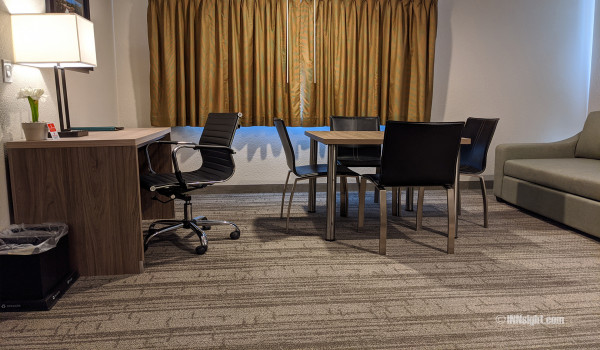 Yosemite Hotel Pictures - QQ Deluxe Executive Desk and Table